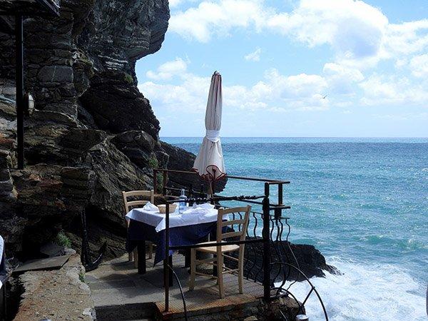 Bar vid havet i Monterosso