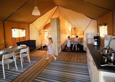 Bo i safaritält på Rådastrands camping